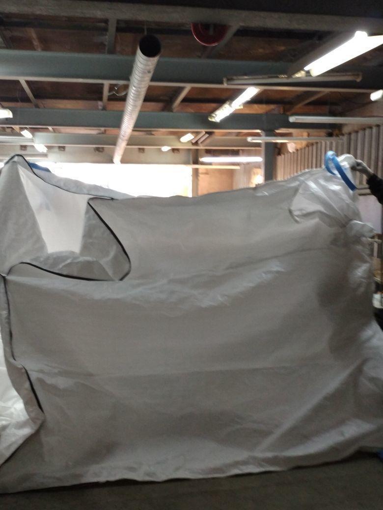 Вкладыш из полипропиленовой ткани в контейнер